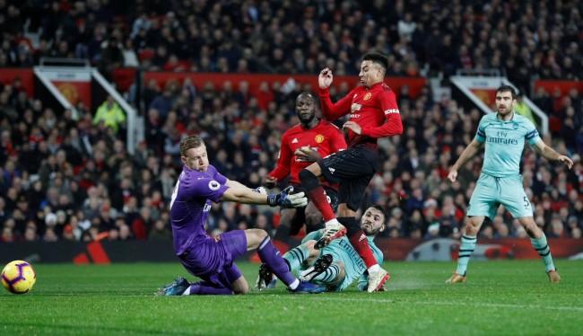 Hadapi MU, Arsenal Akan Ganti Taktik