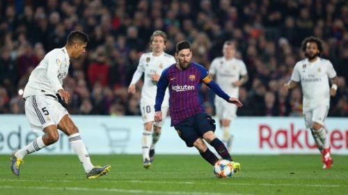 Iniesta Tidak Percaya Messi Alami Penurunan Performa